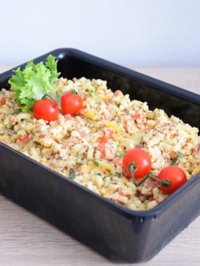 Salade quinoa et petits légumes